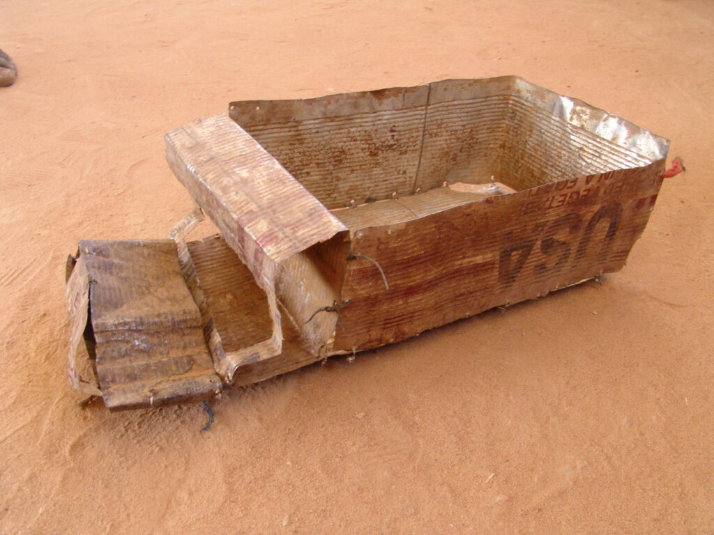 In Ouaddaï, Chad, an empty box of food from the U.S. has been transformed into a WFP delivery truck.