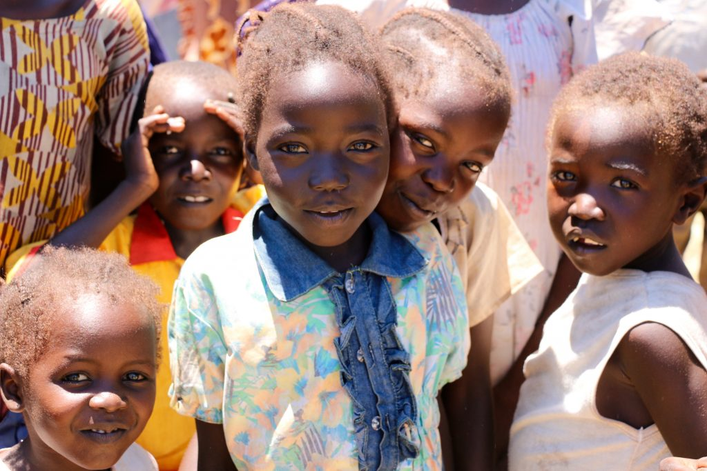 Children gather at a WFP food and nutrition distribution site in Mboro, South Sudan.