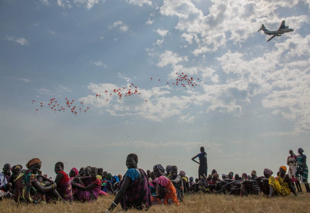 Hundreds of displaced families in Ganyiel, South Sudan await a lifesaving airdrop of food from WFP.