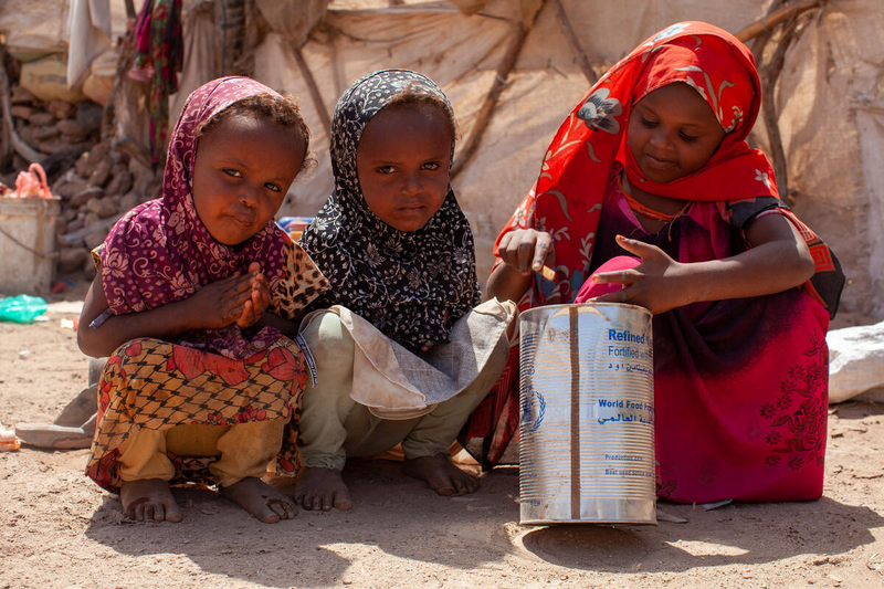 Conflict in Yemen creates Internally Displaced Persons who are hungry